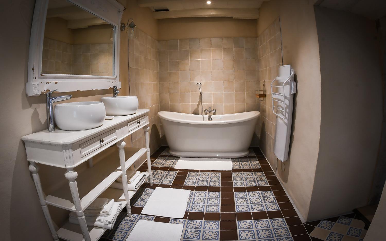 Salle de bain de la chambre De Besné